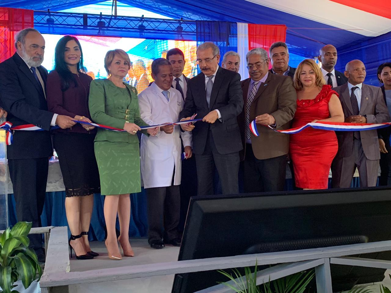Inauguran hospital Regional Alejandro Cabral, de San Juan