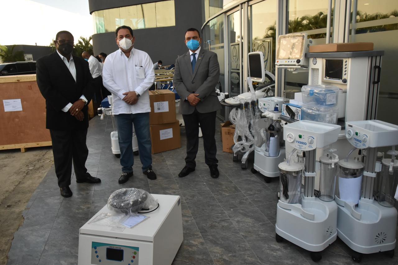 En un mes, SNS entrega equipos por más de RD$27 millones a cuatro hospitales