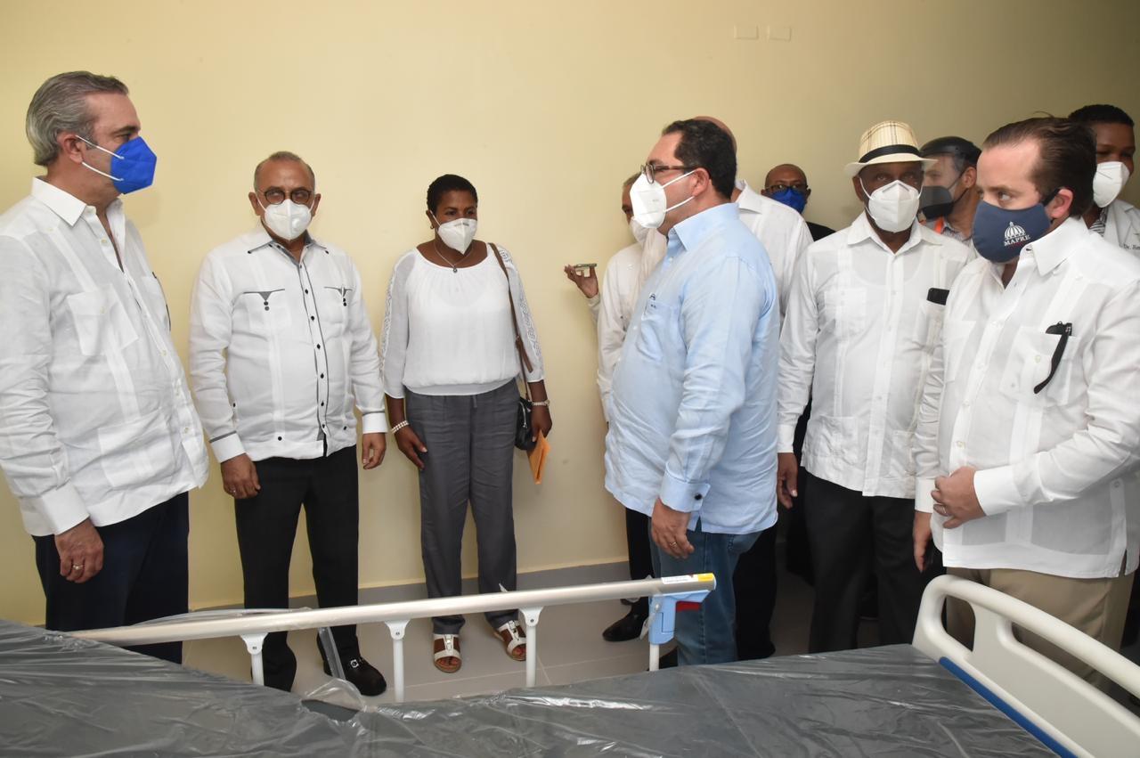 Presidente y autoridades de salud supervisan avances construcción hospital Las Terrenas